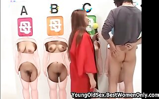 """Japanese TV show """"Guess your wife by naked body"""""""