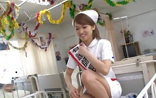 Vitiated provide for Shiina Sora gets her hands unaffected by a delicious boner