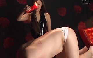 Stunning Japanese darling Kurokawa Sarina loves dominating over her man