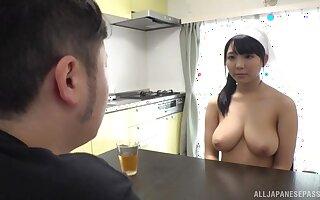 Big natural tits amateur gives an amazing titjob and gives head