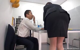 Amateur hottie drops her panties to be fucked by a lucky guy