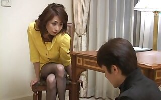 Amateur chick from Japan Eri Kikuchi spreads her legs to be fucked
