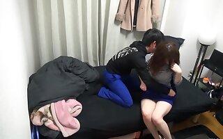 Nampa Tsurekomi, Hidden Camera 32 faint 22-year-old cake shop bytes