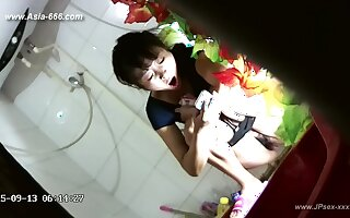chinese girls go to toilet.43