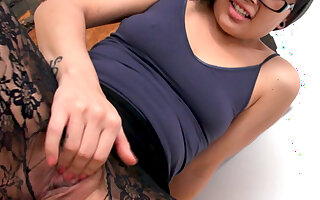 When Kami Wanna Play With Her Wet Pussy ,Nothing Can Stop Her, Not Even Her Pantyhose! - DaGFs